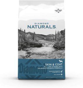 Diamond Naturals Skin & Coat Real Salmon and Potato Recipe Dry Dog Food.